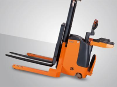 XE 1,000-2,000kg Electric Lift Stacker